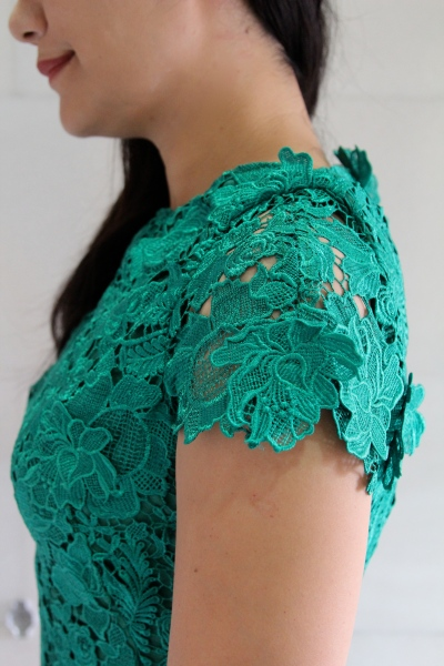 green lace dress sleeves